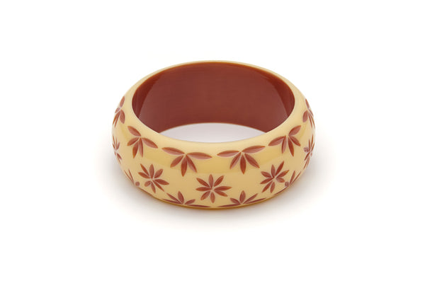 Splendette vintage inspired 1950s style cream carved Duotone fakelite Wide Lait Carved Bangle in Classic size
