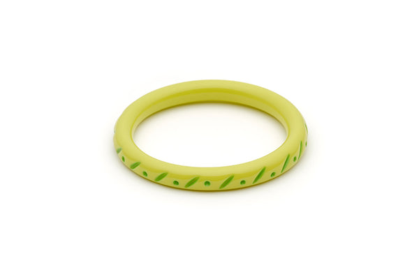 Splendette vintage inspired 1950s style Spring 2021 bright green Duotone fakelite Narrow Zest Carved Bangle in Classic size