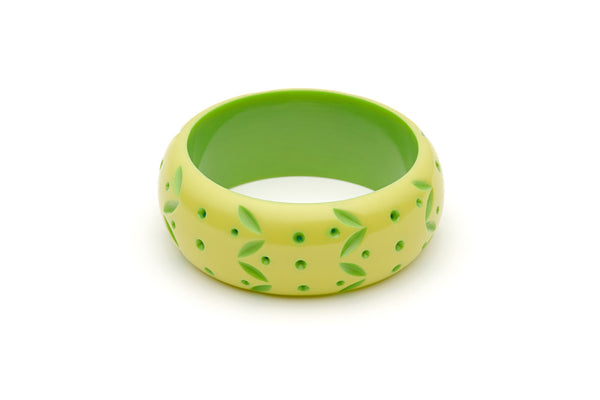 Splendette vintage inspired 1950s style Spring 2021 bright green Duotone fakelite Wide Zest Carved Bangle in Classic size