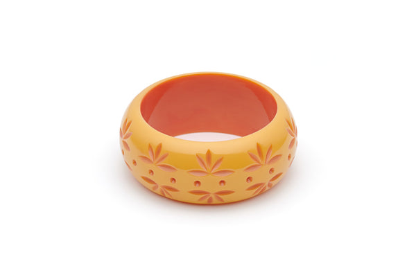 Splendette vintage inspired 1950s Bakelite style peachy yellow Duotone fakelite Wide Honeysuckle Carved Bangle in Maiden size