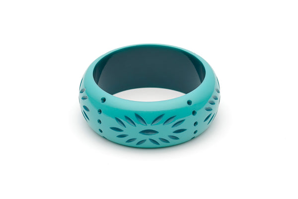 Splendette vintage inspired 1950s style turquoise Duotone fakelite Wide Nymph Carved Bangle in Classic size