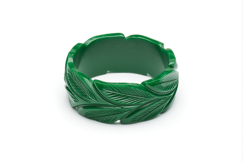1940s style forest green heavy carve wide duchess bangle