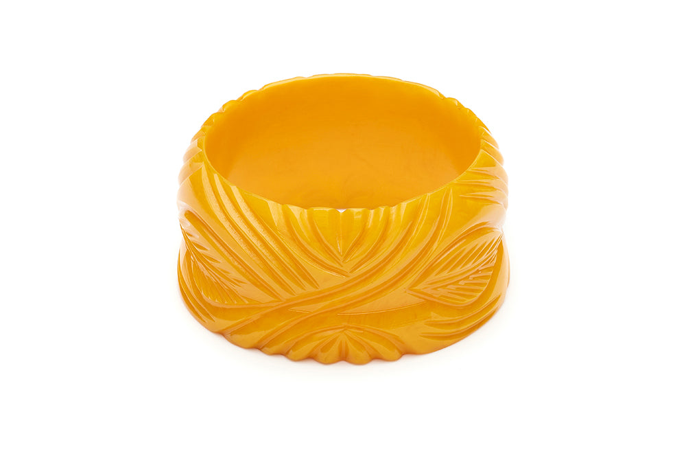 1940s style yellow yolk heavy carve wide bangle
