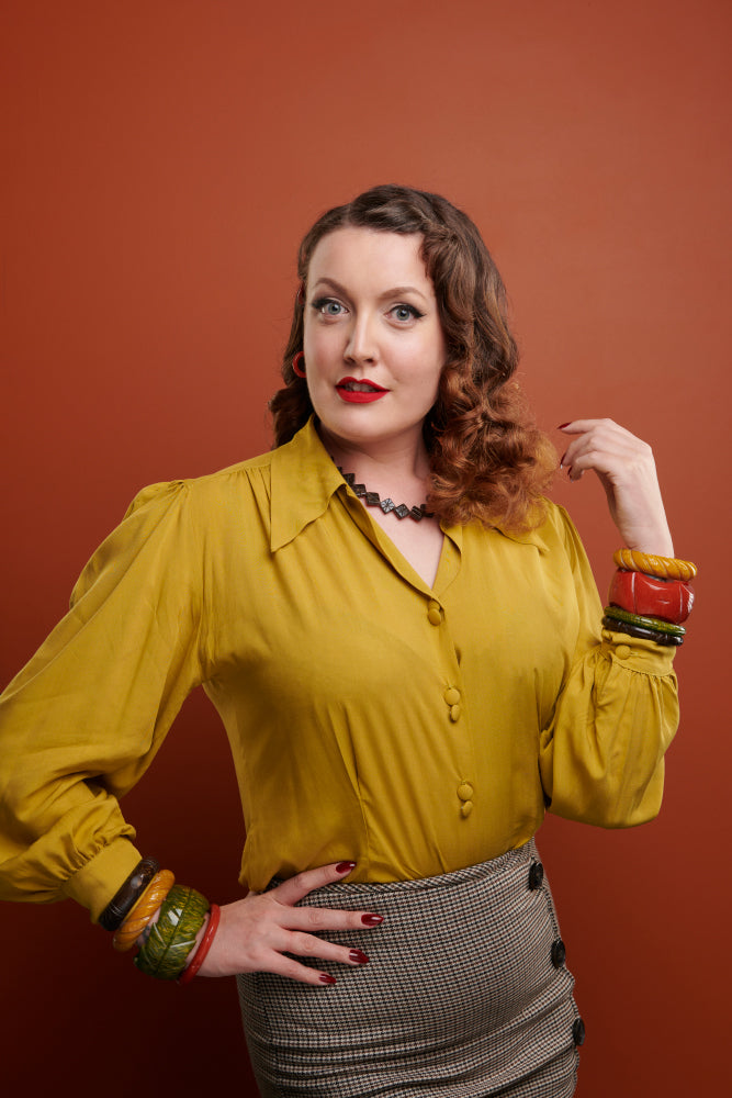 Splendette vintage inspired 1940s Bakelite style Golden Autumn fakelite jewellery with Mustard, Amber, Oliveand Espresso bangles and Espresso necklace
