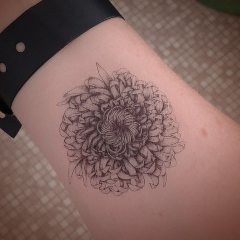 Chrysanthemum temporary tattoo