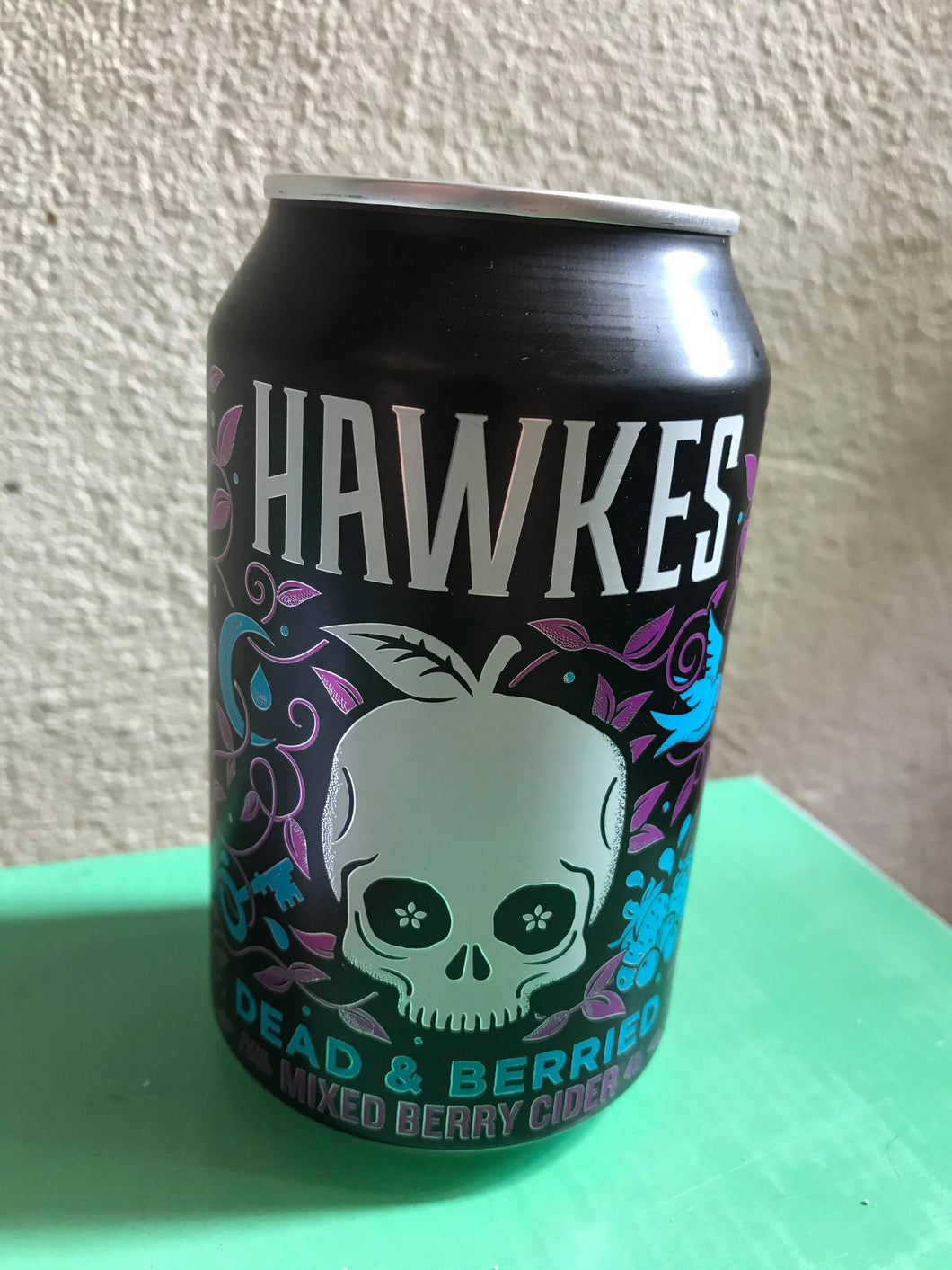 Hawked - Dead And Berried Mixed Berry Cider (330ml) 4.0%
