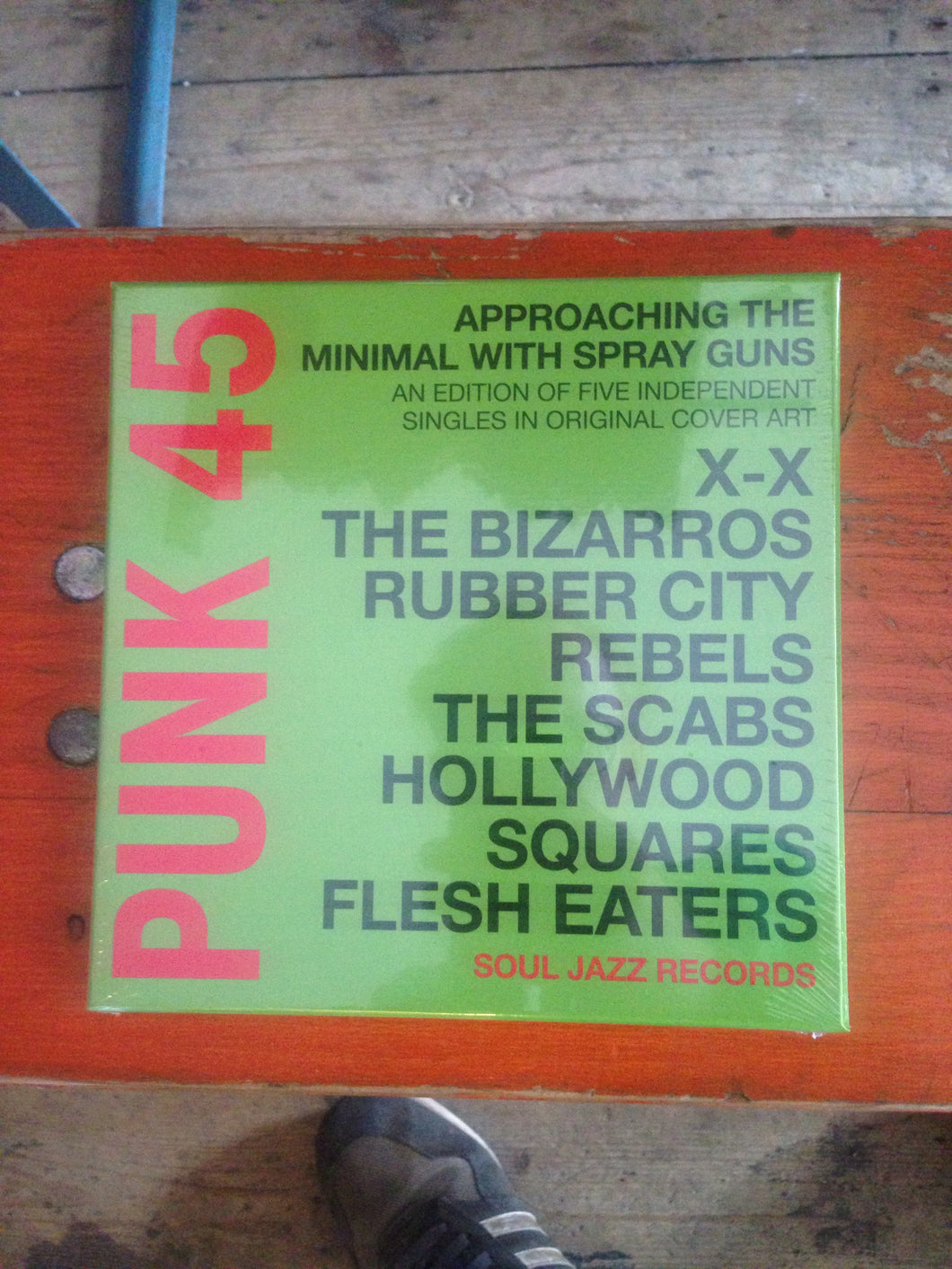 Punk 45 - Approaching The Minimal with Spray Guns