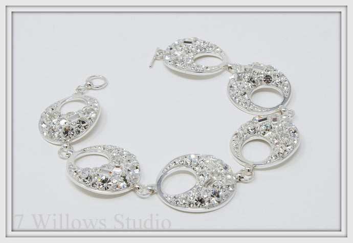 Crystal White Hollow Oval Bracelet