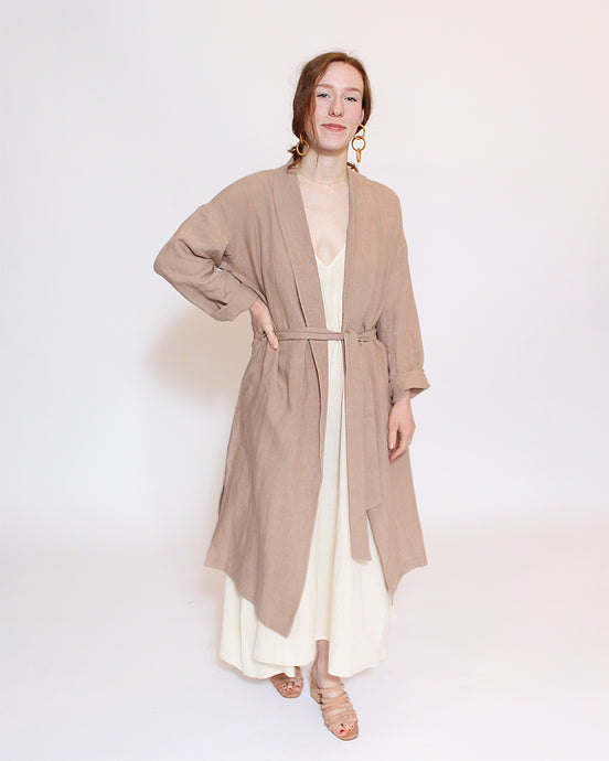7115 by Szeki Artist Linen Coat in Clay