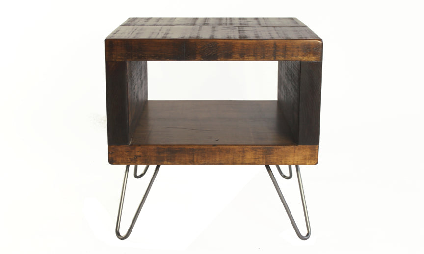 Meuble DOCK - Table basse carrée en bois brut
