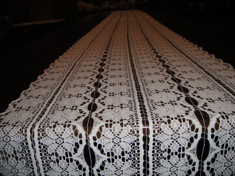 Lace Flowers Table Runners (#1034)