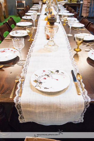 White Jute Burlap w/ Lace Trim Table Runners (#1030) - Vintage Affairs - Vintage By Design LLC
