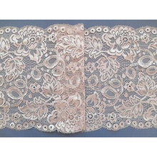 "Dusky Pink Wide Flower Lace 6.75""/17 cm"