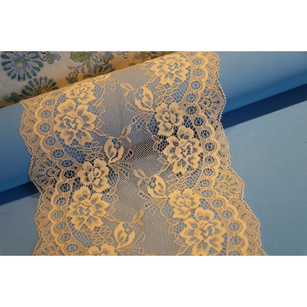 Light Coffee Nude Delicate Lace Trim 7.5