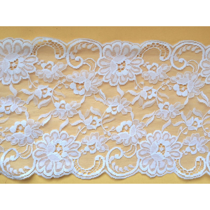 White Wide Scalloped Lace 17 cm/