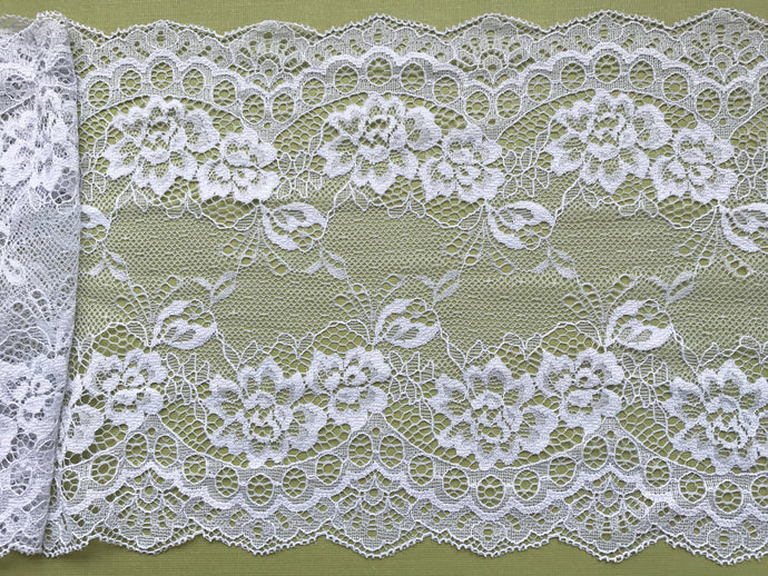 Delicate Clipped Silver Grey Wide Lace 19 cm/7.5