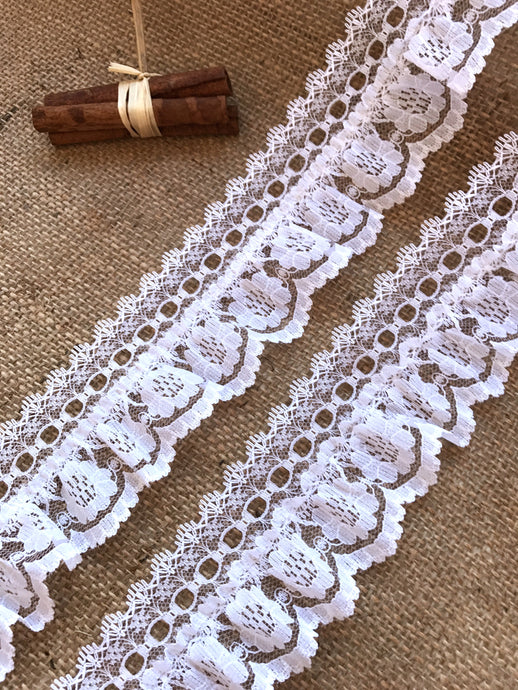 Pretty White Gathered Lace (with ribbon slot) 6.5 cm/2.5