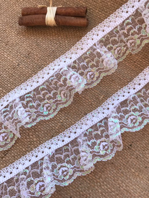 Pretty White Iridescent Gathered Lace 5 cm/2