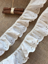"Ivory Cream Cotton ""Cherry"" Broderie Anglaise Gathered  Lace 5 cm/2"""