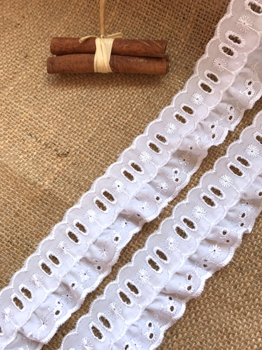 10 m White Cotton Broderie Anglaise Gathered Lace (with ribbon slot) 5 cm/2