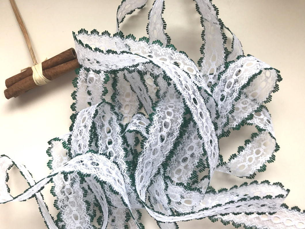 White/Green Eyelet Knitting in Lace 35mm