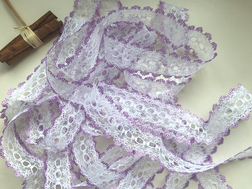 White/Lilac Eyelet Knitting in Lace 35mm