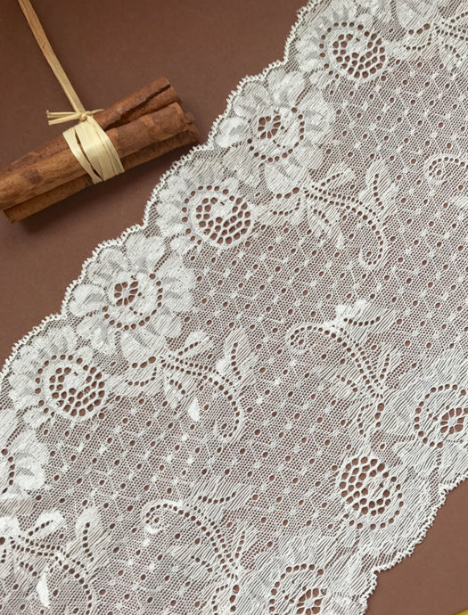 Ivory Soft Stretch Scalloped Lace 17cm/6.75