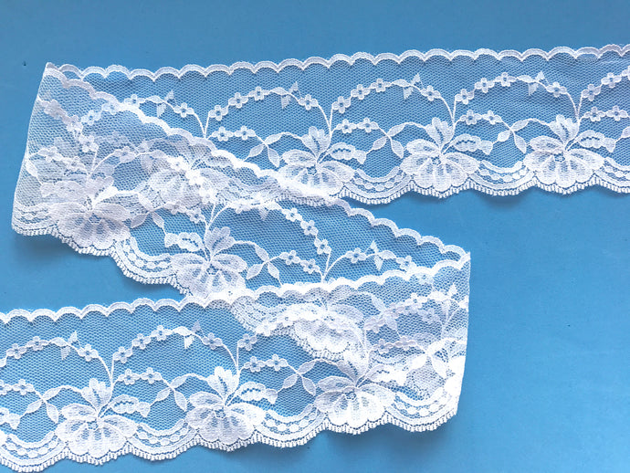 Pretty White Nottingham Scalloped Lace  7cm/2.5