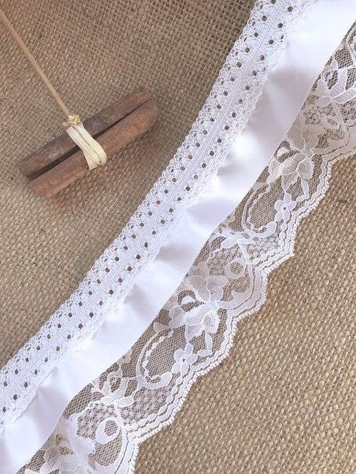Pretty White Gathered Lace (Three tier with satin ribbon) 9 cm/3.5