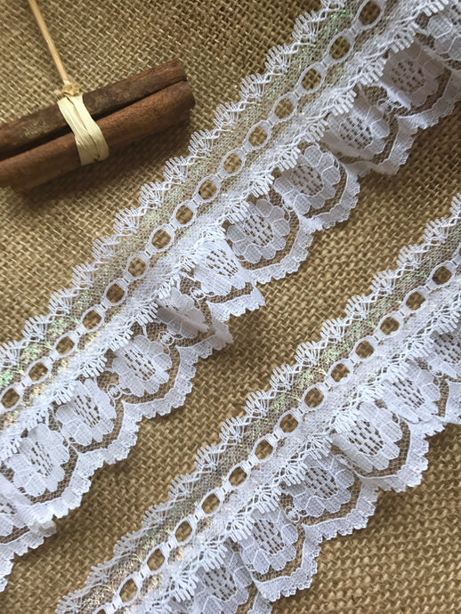 Pretty White with Iridescent Gathered Lace (with ribbon slot) 6.5 cm/2.5