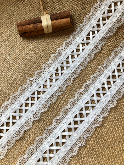 Beautiful Nottingham Ivory Ribbon Lacing & Lace  Trim 5 cm/2