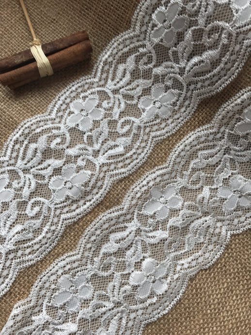 Ivory Soft Stretch Scalloped Lace 3.5