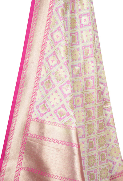 Beige Banarasi dupatta with floral and plus motifs (2) Close up