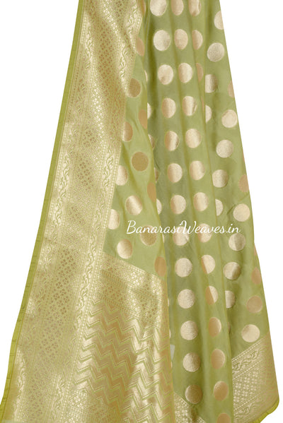 Green Art Silk Banarasi Dupatta with polka dots (2) Close up