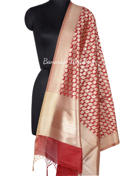 Red Banarasi Dupatta with leaf and flower jaal (1) Main
