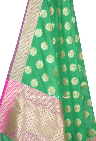 Green Art Silk Banarasi dupatta with diya flower in geometrical shape (2) Close up