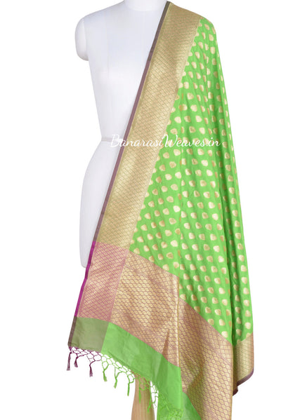 Green Banarasi Dupatta with paan motifs (1) Main