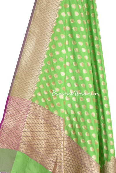 Green Banarasi Dupatta with paan motifs (2) Close up