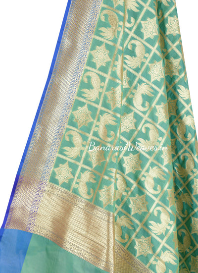 Green Banarasi Dupatta with peacock and geometric motifs (2) Close up
