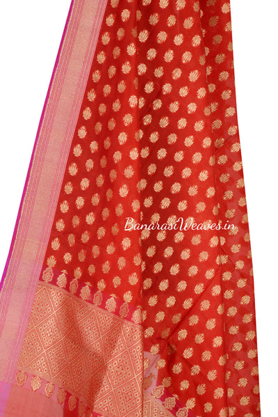 Red Banarasi Silk Dupatta with mini flower booti (2) Close up