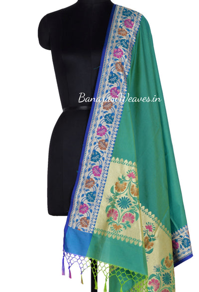 Plain Dark Green Banarasi Dupatta with beautiful aanchal and border (1) Main
