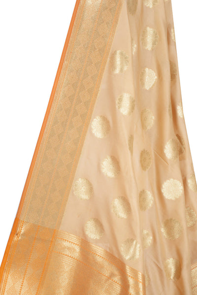 Beige Banarasi Dupatta with pleasant flower motifs (3) Close up