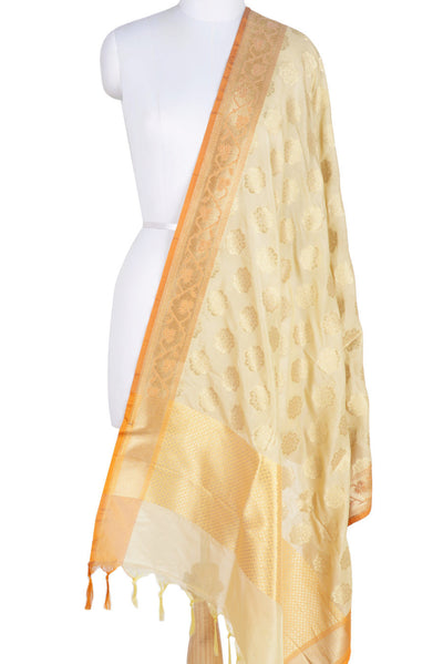 Cream Banarasi Dupatta with exquisite flower motifs (1) Main