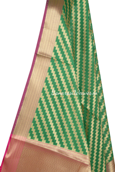 Green Art Silk Banarasi Dupatta with diagonal zigzag stripes (2) Close up
