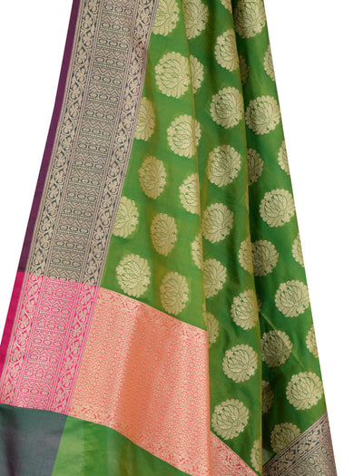 Green Banarasi Dupatta with lotus motifs (2) Close up