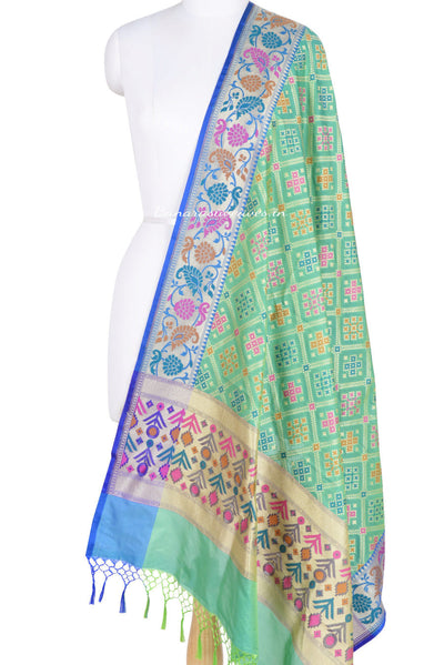 Green Banarasi Dupatta with patan patola design and paithani border (1) Main