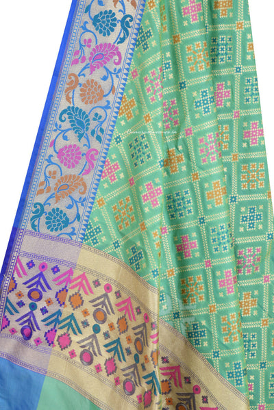 Green Banarasi Dupatta with patan patola design and paithani border (2) Close up