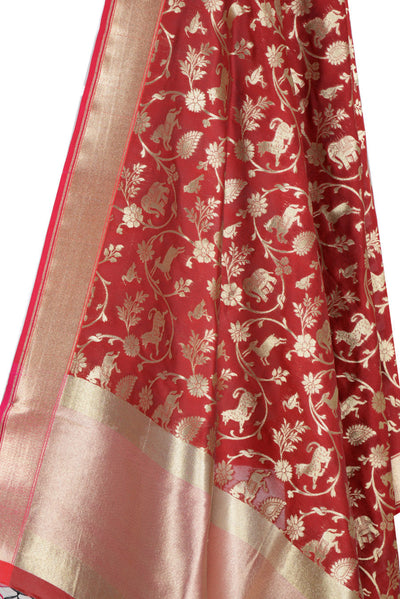 Maroon Banarasi Dupatta with Shikargah jaal (2) Close up