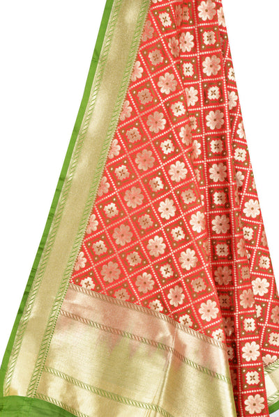 Red Art Silk Banarasi dupatta with leaf jaal (2) Close up