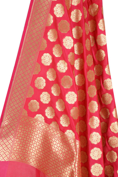 Red Banarasi Dupatta with wheel of flower motifs (2) Close up